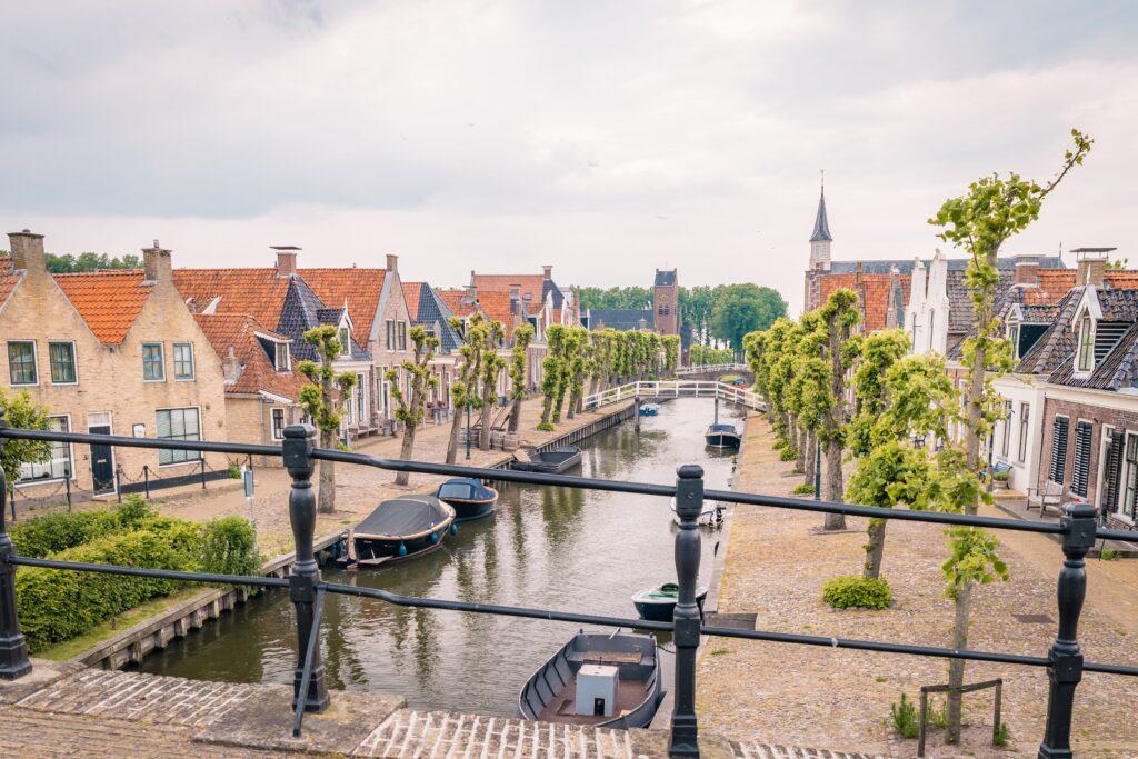 Deze afbeelding heeft een leeg alt-attribuut; de bestandsnaam is Sloten-dorpen-Friesland-min-1024x683.jpg