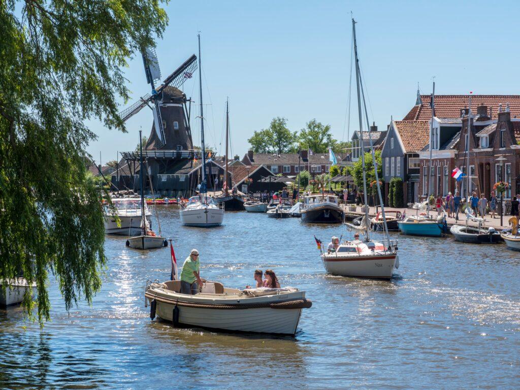 Deze afbeelding heeft een leeg alt-attribuut; de bestandsnaam is Woudsend-dorpen-Friesland-min-1-1024x768.jpg